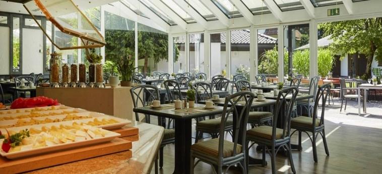 H+ Hotel Alpina Garmisch-Partenkirchen: Sala de Desayuno GARMISCH - PARTENKIRCHEN