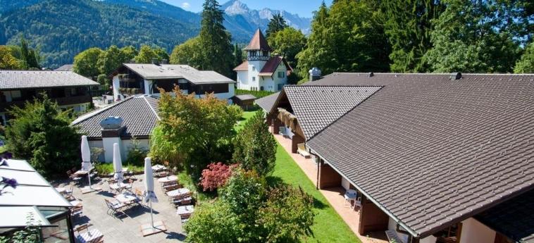 H+ Hotel Alpina Garmisch-Partenkirchen: Giardino GARMISCH - PARTENKIRCHEN