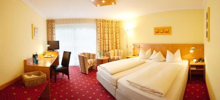 H+ Hotel Alpina Garmisch-Partenkirchen: Chambre Double GARMISCH - PARTENKIRCHEN