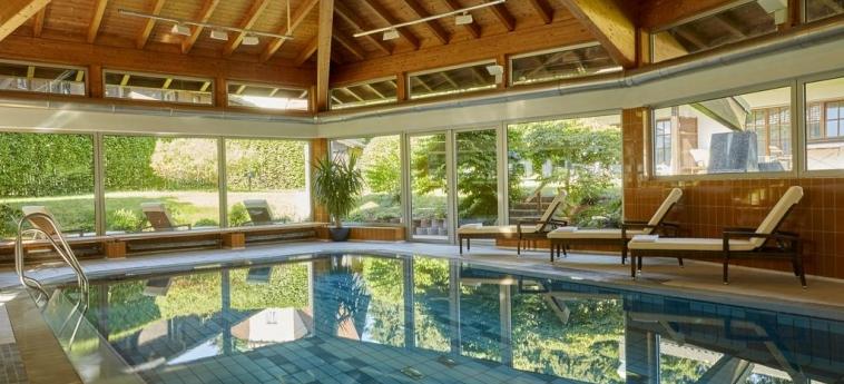 H+ Hotel Alpina Garmisch-Partenkirchen: Piscine chauffée GARMISCH - PARTENKIRCHEN