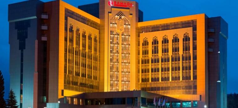 Hotel Ramada Plaza Gence: Esterno GENCE