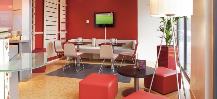 Hotel Ibis Genève Petit Lancy: Indoor Bar GENEVA