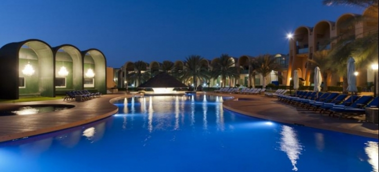Golden Tulip Al Jazira Hotel And Resort: Außenschwimmbad GHANTOOT