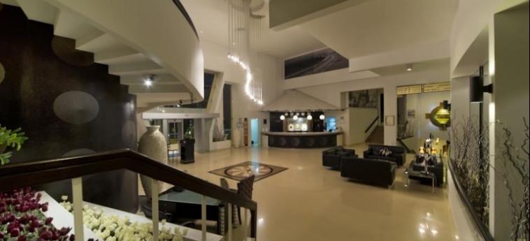 Golden Tulip Al Jazira Hotel And Resort: Hotelhalle GHANTOOT