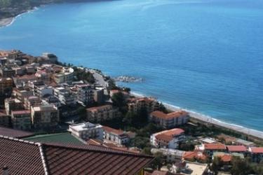 Hotel Avalon Sikani: Außen GIOIOSA MAREA - MESSINA