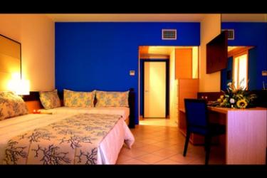 Hotel Avalon Sikani: Dreibettzimmer GIOIOSA MAREA - MESSINA