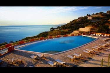 Hotel Avalon Sikani: Solarium GIOIOSA MAREA - MESSINA