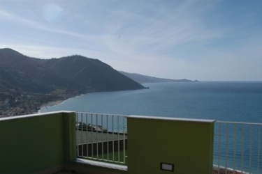 Hotel Avalon Sikani: Terrasse GIOIOSA MAREA - MESSINA