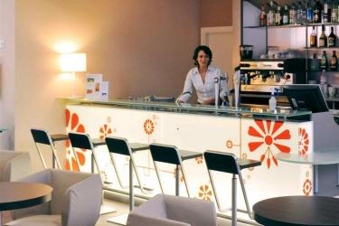 Hotel Ibis Budget Girona Costa Brava: Bar GIRONA