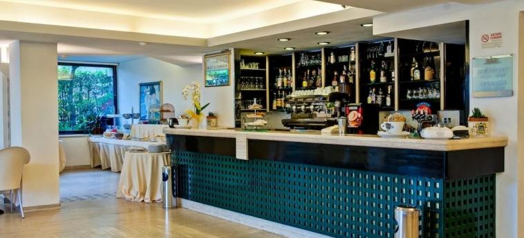 Hotel Europa: Bar GIULIANOVA - TERAMO
