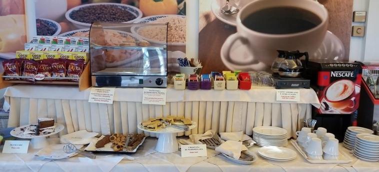 Hotel Europa: Buffet GIULIANOVA - TERAMO