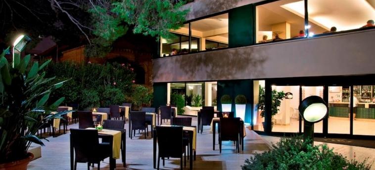 Hotel Europa: Jardin GIULIANOVA - TERAMO