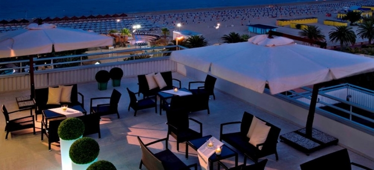 Hotel Europa: Terrasse GIULIANOVA - TERAMO
