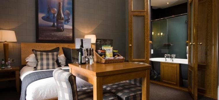 Hotel Du Vin At One Devonshire Gardens: Bedroom GLASGOW