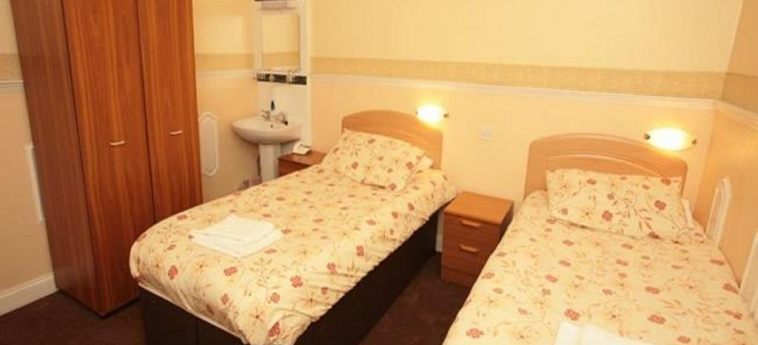 Mclays Guest House: Twin Room GLASGOW