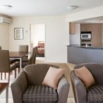 Hotel Broadbeach Savannah