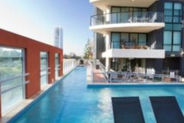 Hotel Mantra Broadbeach On The Park: Swimming Pool GOLD COAST - QUEENSLAND