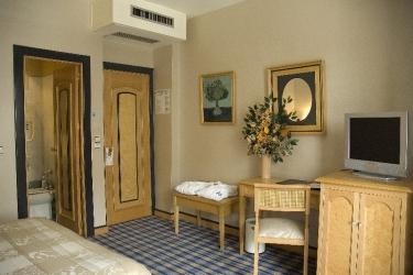 Hotel Macia Condor: Schlafzimmer GRANADA
