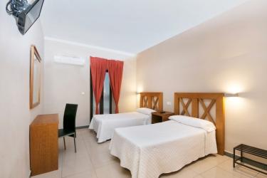 Hotel Atenas: Schlafzimmer GRANADA