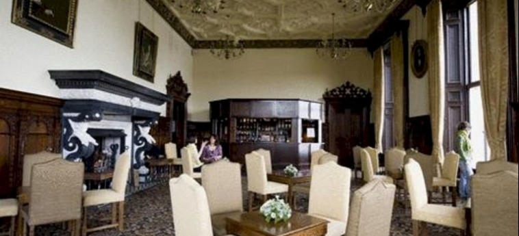 Hotel Stoke Rochford Hall: Terrasse GRANTHAM