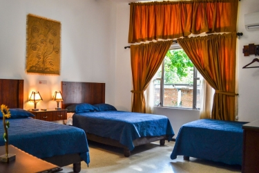 Hotel El Escalon: Habitaciòn GUAYAQUIL