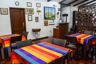 Hotel El Escalon: Quiosco de check in y check out GUAYAQUIL