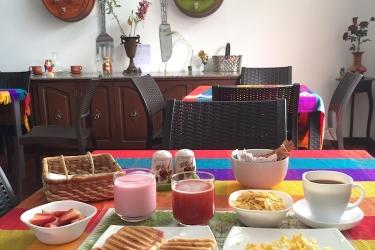 Hotel El Escalon: Sala de estar GUAYAQUIL