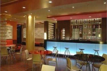 Hotel Fortune Global Select: Lounge Bar GURGAON