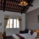 Hotel Hanoi Crystal