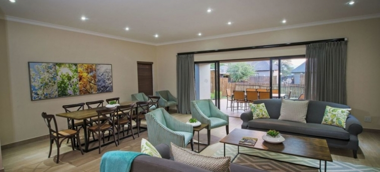 Hotel Seasons Sport And Spa: Living Room HARTBEESPOORT