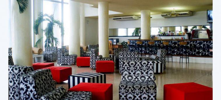 Hotel Deauville: Hotelhalle HAVANNA