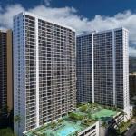 Hotel Aston At The Waikiki Banyan