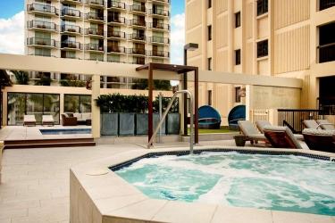 Hotel The Residences At Waikiki Beach Tower: Swimming Pool HAWAII - OAHU (HI)