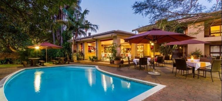 Hotel Numbi And Garden Suites: Piscina Exterior HAZYVIEW