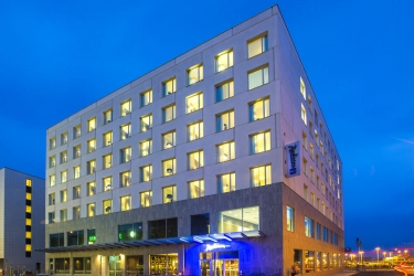 Radisson Blu Metropol Hotel, Helsingborg: Hotel Davor-Abend/Nacht HELSINGBORG