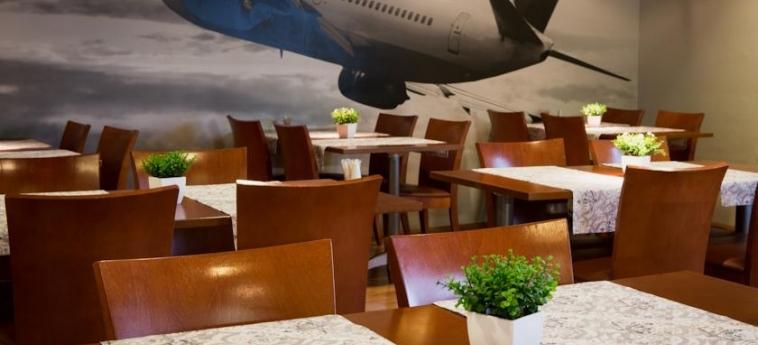 Airport Hotel Pilotti: Hall HELSINKI
