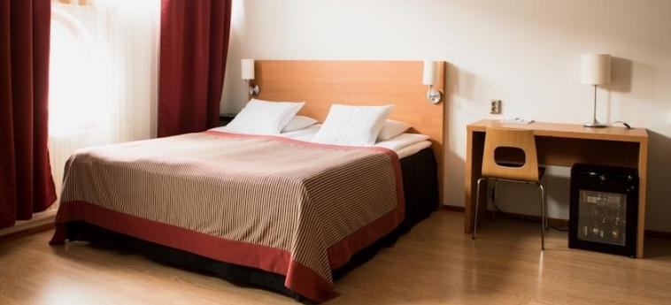 Airport Hotel Pilotti: Bedroom HELSINKI