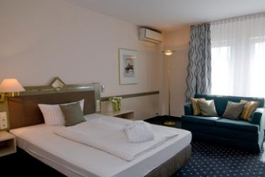 Achat Hotel Walldorf Reilingen: Carpa HOCKENHEIM