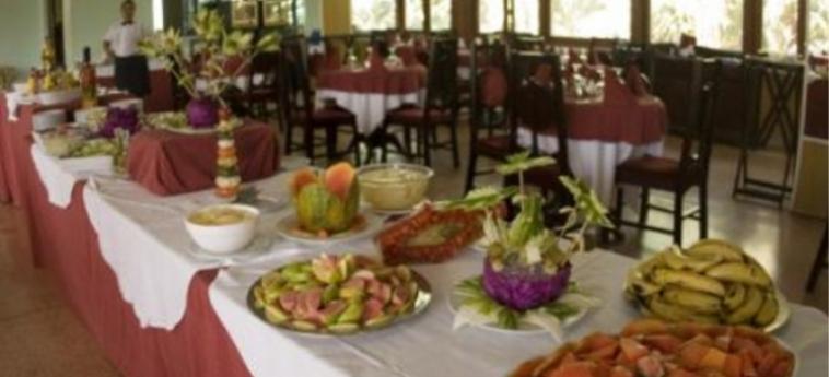 Hotel Miraflores: Buffet HOLGUIN