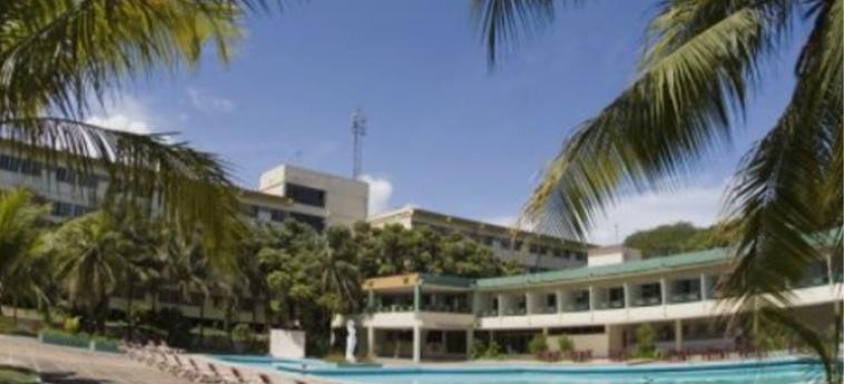 Hotel Miraflores: Esterno HOLGUIN