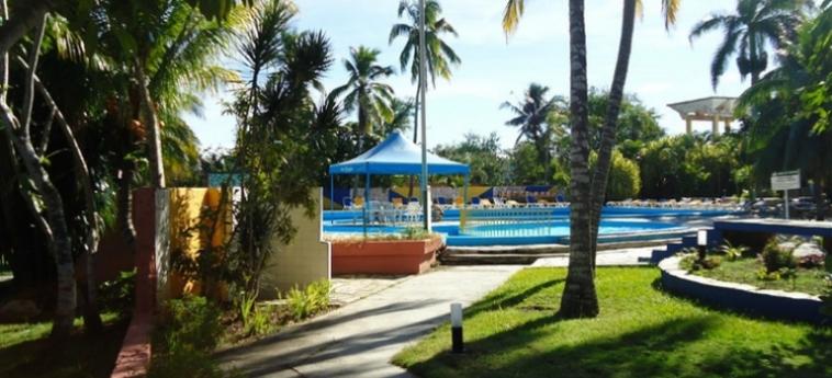 Hotel Islazul El Bosque: Piscina HOLGUIN