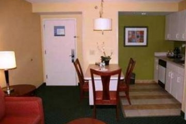 Hotel Hampton Inn & Suites Fort Lauderdale Airport: Chambre Suite HOLLYWOOD (FL)