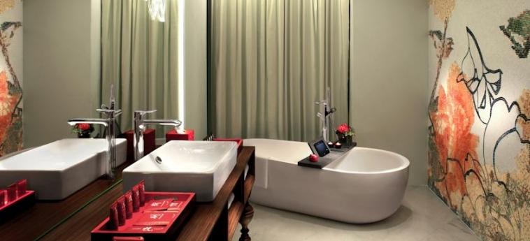 Mira Moon Hotel: Salle de Bains HONG KONG