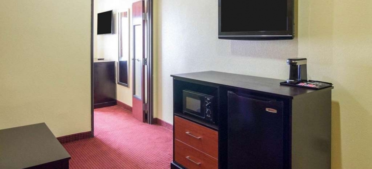 Hotel Quality Suites Bush - Iah Airport West: Hoteldetails HOUSTON (TX)