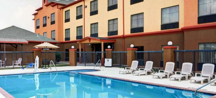 Hotel Quality Suites Bush - Iah Airport West: Swimming Pool HOUSTON (TX)
