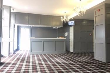 Hotel Swallow Huddersfield: Lobby HUDDERSFIELD