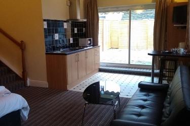 Hotel Swallow Huddersfield: Sala de estar HUDDERSFIELD