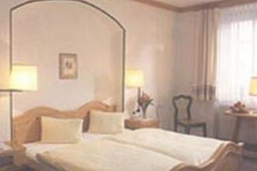 Hotel Weisse Kreuz: Bedroom INNSBRUCK