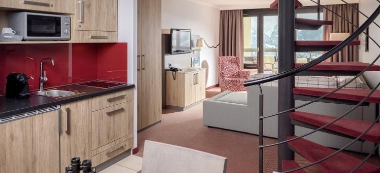 Hotel Dorint Bluemlisalp Beatenberg Interlaken: Kitchen INTERLAKEN