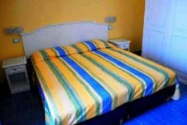 Hotel Cava Dell'isola: Schlafzimmer ISCHIA ISLAND - NAPLES